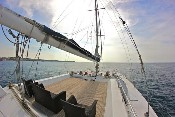 Sortie catamaran – coucher de soleil avec cocktail avec AMC EVENT