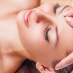 Massage japonais liftant et relaxant du visage