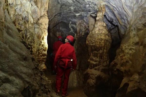 Spéléologie - Grotte de Mons